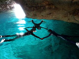 青の洞窟 イメージ